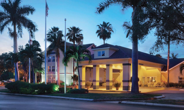 Homewood Suites by Hilton Fort Myers at Bell Tower Shops
